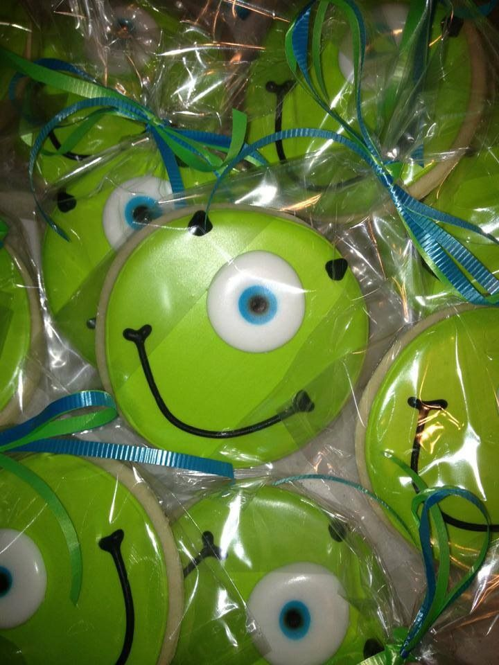 Monsters Inc. cookies as party favors.