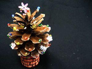松ぼっくりで素朴☆可愛いクリスマスツリー