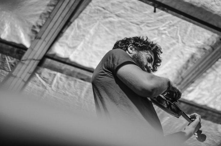 Alberto Freddi    ROCK IN RIVA 2017, Abbadia Lariana. Folkabbestia, C'esco e i Musicanti di Brahma, Bianchi Sporchi, Minipony. Fotografie di Chiara Arrigoni.    #RockinRiva #Lecco #livemusic #violino #blackandwhite