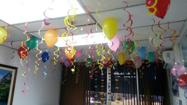Globos Colochos de papel Confites Bombas  Happy b-day Feliz cumpleaños Oficina decoración Decoración techo Relleno de techo