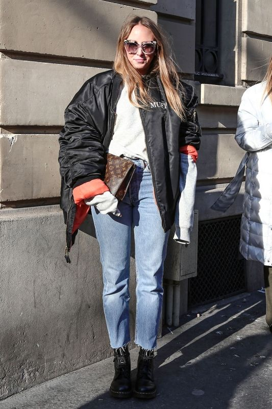 if you've been keeping up with whats what when it comes to street style.you would know that your boyfriends jacket has just became cool to wear lol but who seriously doesnt like an oversized jacket that you can layer doing the fall/winter. it'll give you a really edgy look when paired with platform boots and a cute hat!