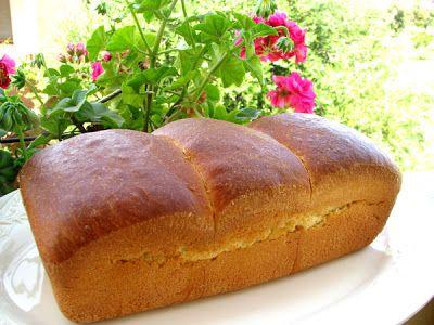 I Dolci di Pinella: Un pò di dolce...un che di salato.... 250g di farina manitoba 550 g di farina 00 175 g di zucchero 8 tuorli 8 uova medie 375 g di burro 40 g di lievito 30 g di sale