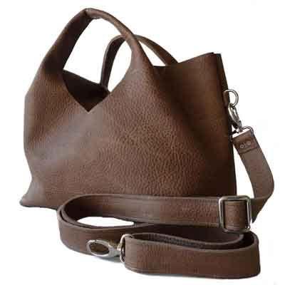 Stijlvolle en slijtvaste leren tassen van MALOU bags, nu bij ons in de collectie!