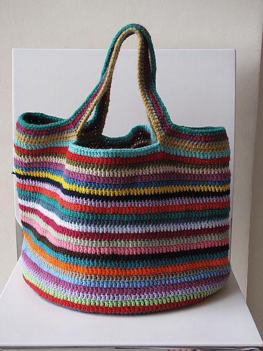 sacola trabalhada em crochet