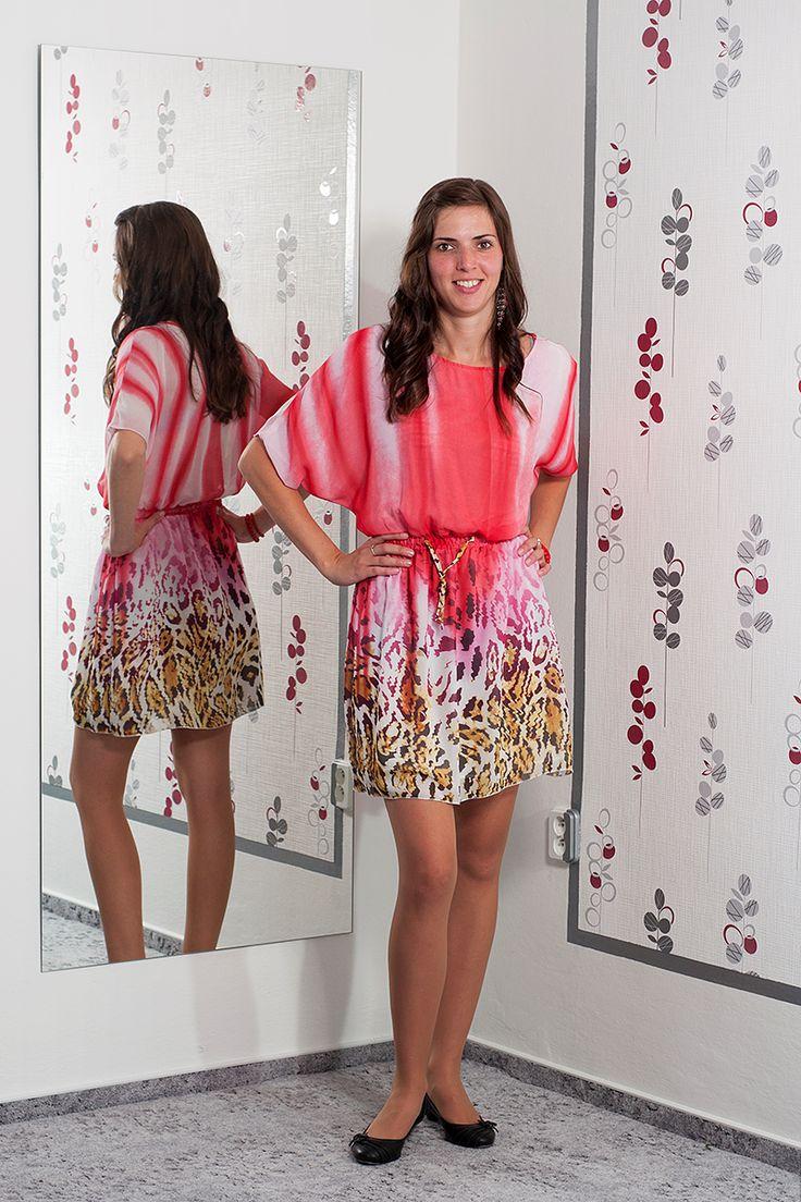 072. Lehké vzdušné letní šaty s netopýřími rukávy.  Vel.: 38  Cena: 420,- kč