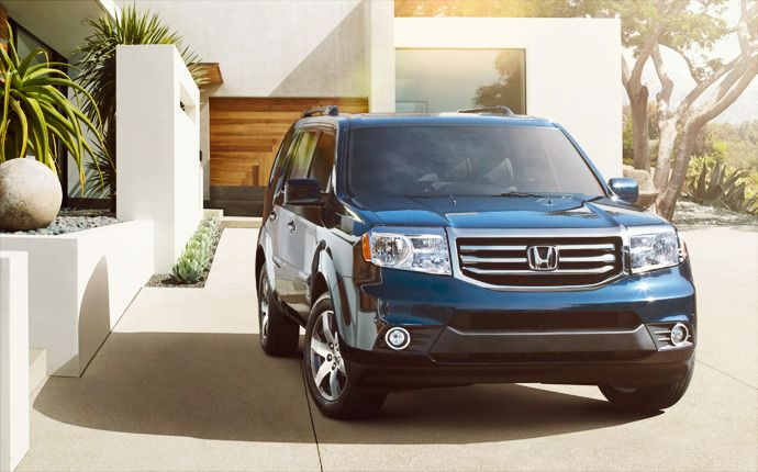 Superior styling and a strong, wide stance give the Pilot a bold, upscale look.~great vehicles.i love mine!!
