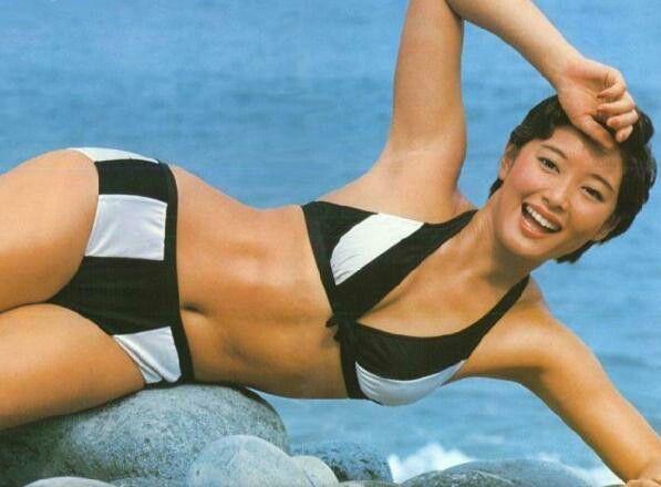夏目雅子さんのビキニ