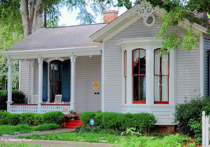 Pretty cottage.Victorian Cottages, Google Search, Small House, Cottages Life, The Cottage´S Life 2 Jpg, Red Trim, Pretty Cottages