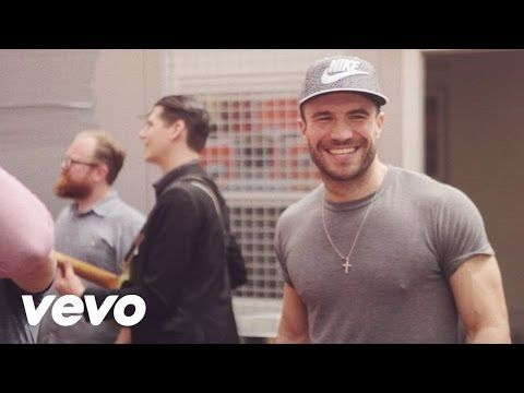 Sam Hunt - House Party - YouTube When getting a group together to see star wars, then sing at the top of your lungs to this song on way to theater. ..equals good times