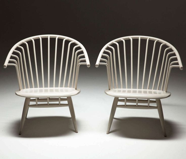 Set of 2 White 'Crinolette' chair by Ilmari Tapiovaara 2
