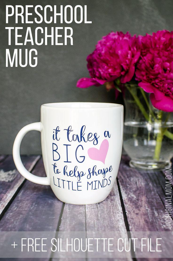 "Great gift idea for a preschool teacher - ""it takes a big heart to help shape little minds"" vinyl lettering on a coffee mug! | free cut file | silhouette | vinyl mug | teacher gift | preschool teacher gift | handmade gift"