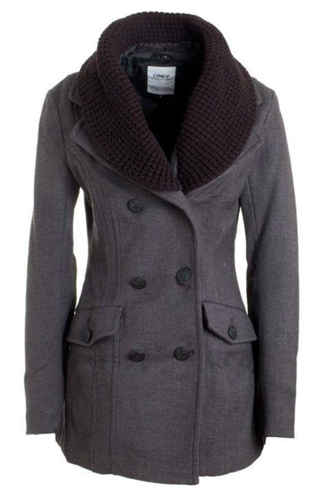 Damesmode, Winterjas van Only met knoopsluiting; De jas is voorzien van een grote, gebreide shawlkraag. http://www.pops-fashion.com/?p=15494