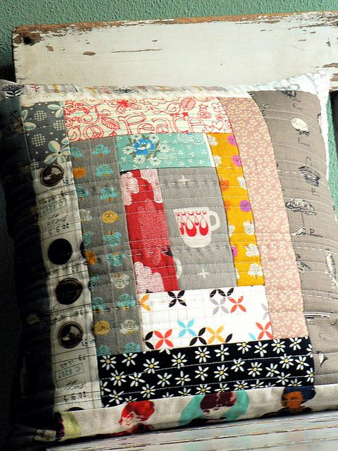 log cabin pillow.. love the quilting