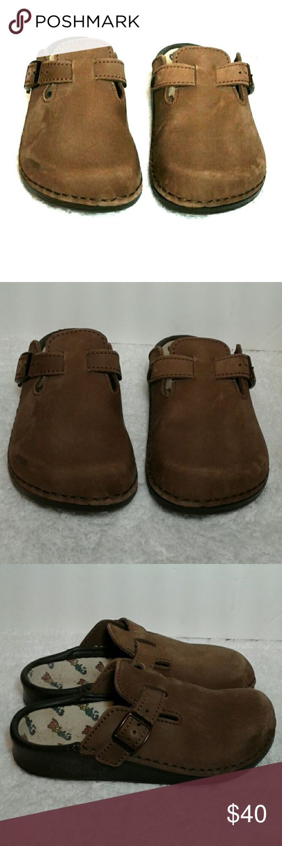 Birkenstock leather clogs Clogs are used but in great condition almost like new see pictures good for a girly girl Birkenstock Shoes Mules & Clogs