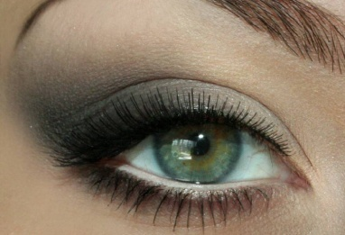 awesome makeup tutorials! Every step is shown at photo so you can easly make it by yourself :): Makeup Tutorials, Awesome Makeup, Makijaż 200, Chanel Jesień, Smoky Eye, Smokey Eye, Step By Step, Photo