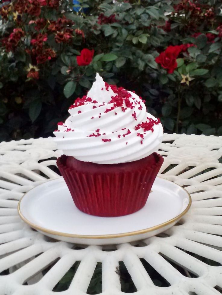 RED VELVET FAKE CUPCAKE PHOTO PROPS, BIRTHDAY PARTY CUPCAKE DECORATIONS,  #FakeCupcakeCreations