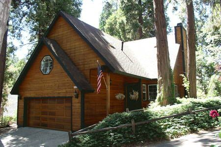 Bday Check out this awesome listing on Airbnb: Exquisite Mountain Home Near Lake - Houses for Rent in Lake Arrowhead