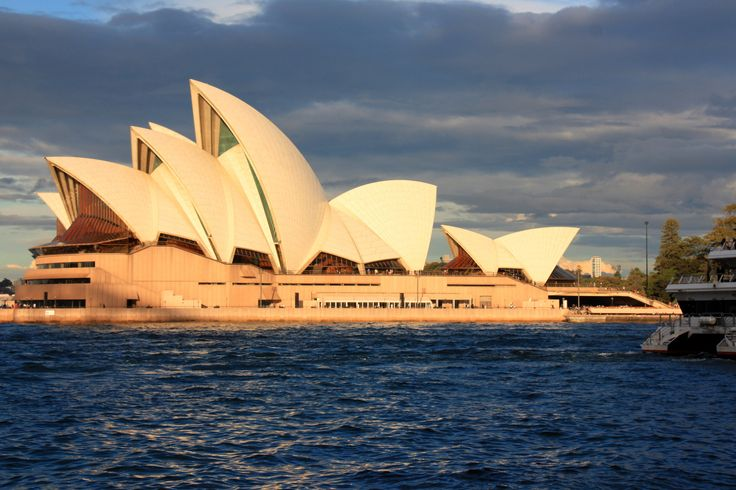 Sydney Opera House -Australia   For more information visit - http://www.guiddoo.com/