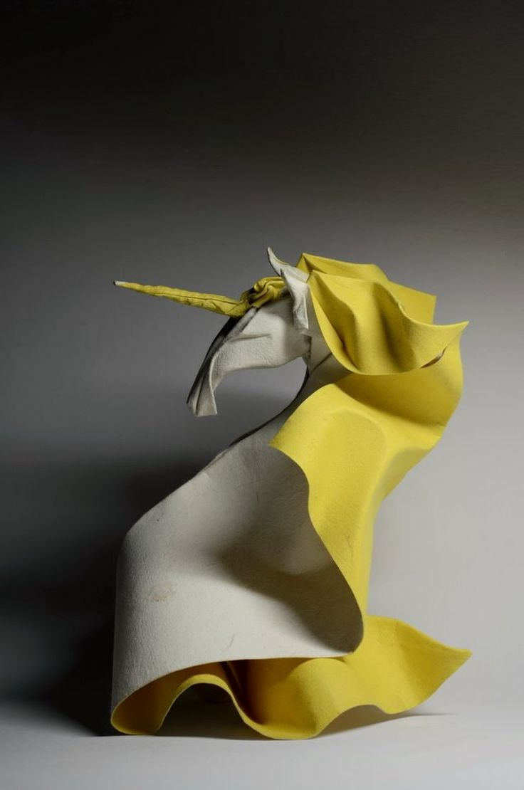 ORIGAMI........BY VIETNAMESE ARTIST HOANG  TIEN  QUYET........SOURCE TUXBOARD.COM........
