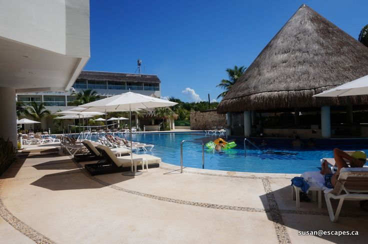 Isla Mujeres Palace, a quiet pool to relax
