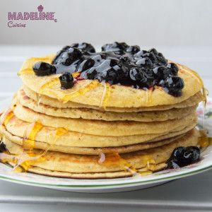 Clatite cu cocos / Coconut pancakes - Madeline's Cuisine