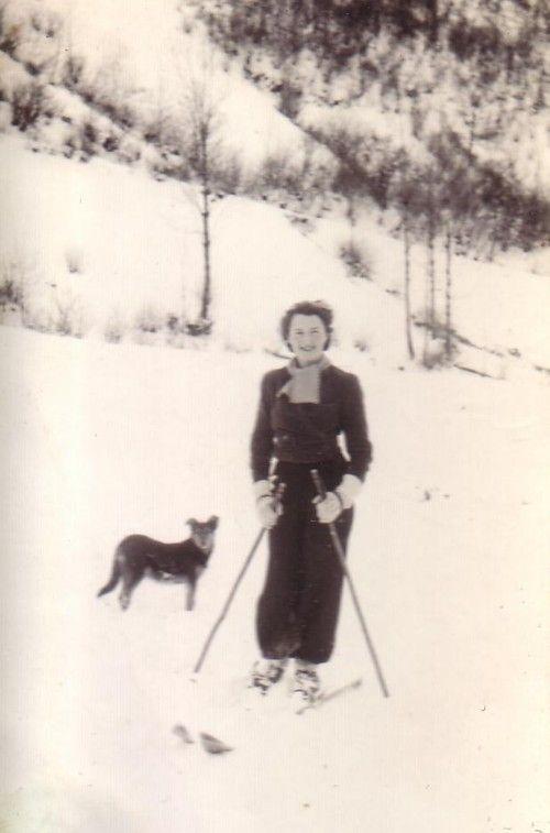 Skier 1930s http://thevintagetraveler.wordpress.com/2012/01/15/ski-report/