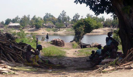 Village isolé du Sud du Benin, Togbota est une localité attachante mais très isolée et complètement oubliée des pouvoirs publics où 90% de ses 5200 habitants sont atteints d'une des 3 maladies endémiques locales : le Paludisme, la Bilharziose et l'Ulcère de Buruli. #benin #togbota #action