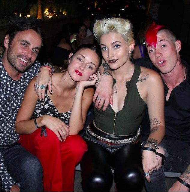 Paris Jackson (age 18) and friends, September 2016.