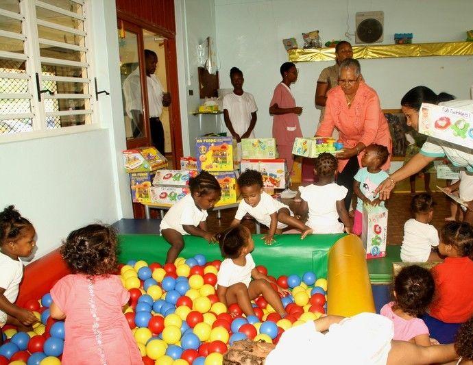 Jeunes enfants à la Crèche Municipale de Cayenne