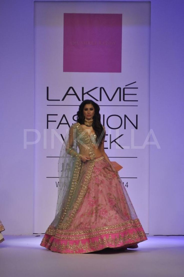 Bareeze live dresses gallery bareeze fashion brand photos designs - Nargis Fakhri Becomes The Show Stopper At Lfw