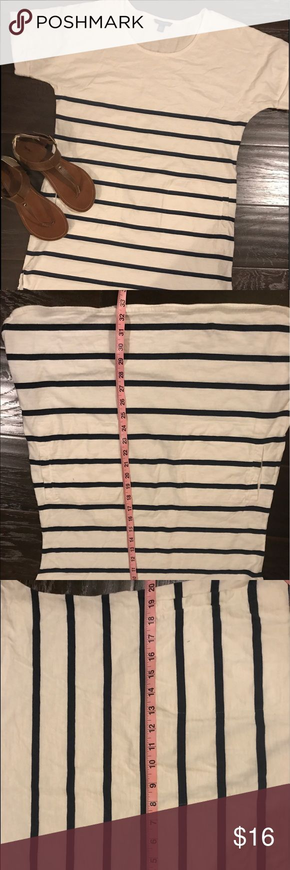 Tommy Hilfiger Summer Dress Perfect Summer dress Sz Large. So comfortable and thick enough to wear without worrying about it being see through. Has plenty of wear left. (Smoke free, pet free home, accessories not included) Tommy Hilfiger Dresses Midi
