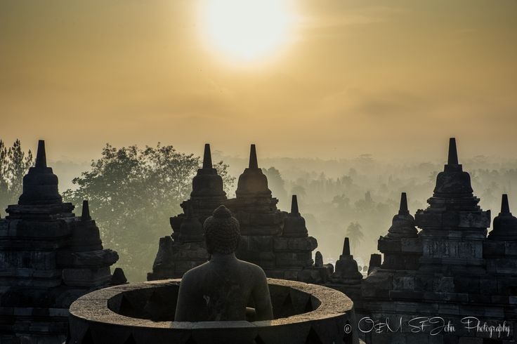 2 Weeks in Indonesia: Borobudur Temple at sunrise. Java Indonesia.