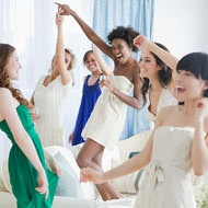 Hen party games - bridal pictionary, the purse game, post it note game, picture the future