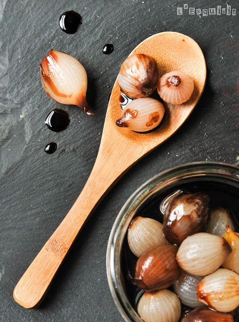 Cebollitas al balsámico | L'Exquisit.  Balsamic Glazed Little Onions. (translation on the right of the page)