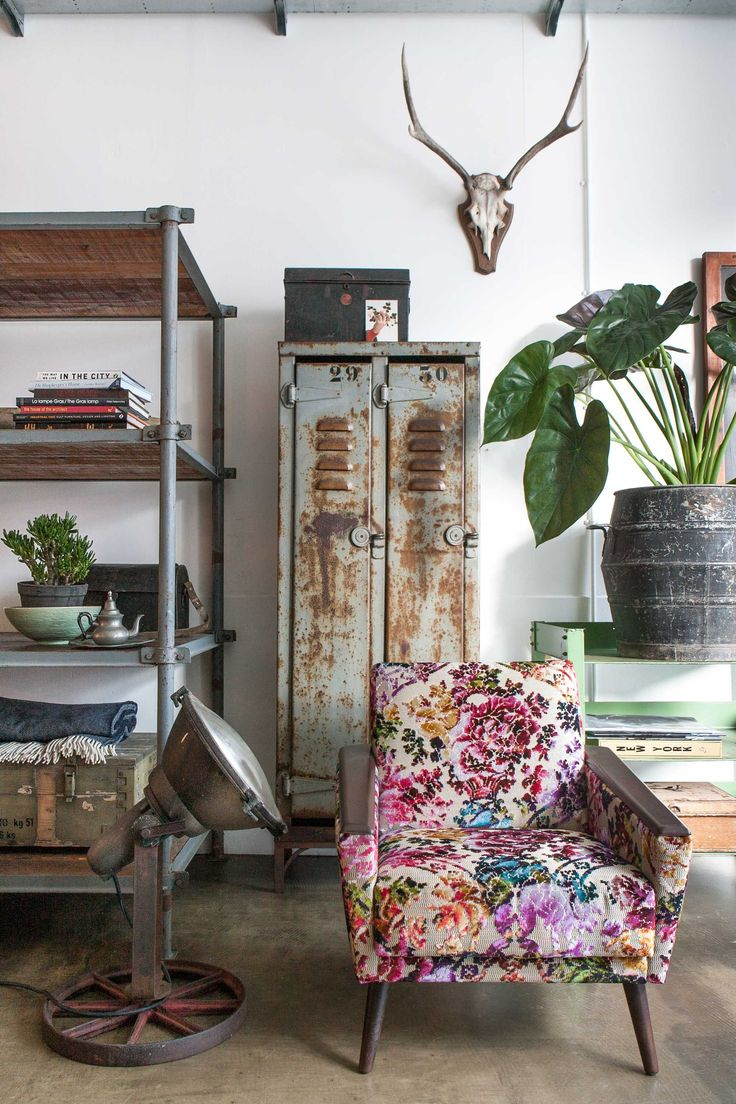 Floral Inspiration In A Cool Industrial Style - Gravity Home