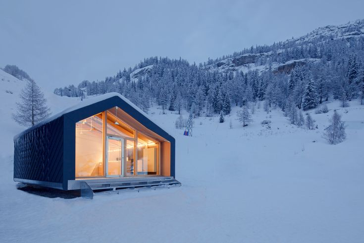 Prefab Assembled in 10 Days: Prefab Courmayeur Ski and Snowboard School is weather-resistant //