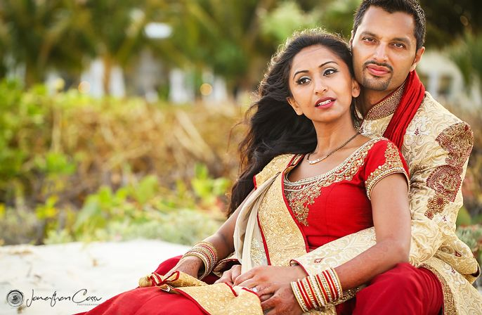 Hindu bride and groom portrait | Moon Palace Cancun #destinationwedding
