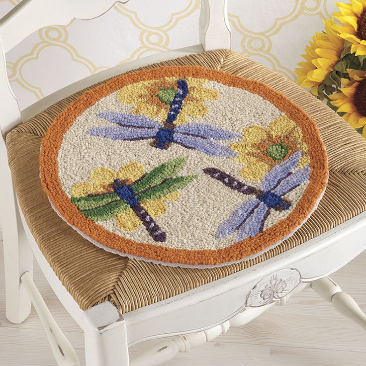 Dragonfly Hooked Chair Pad   Furniture, Home Decor And Home Furnishings,  Home Accessories And