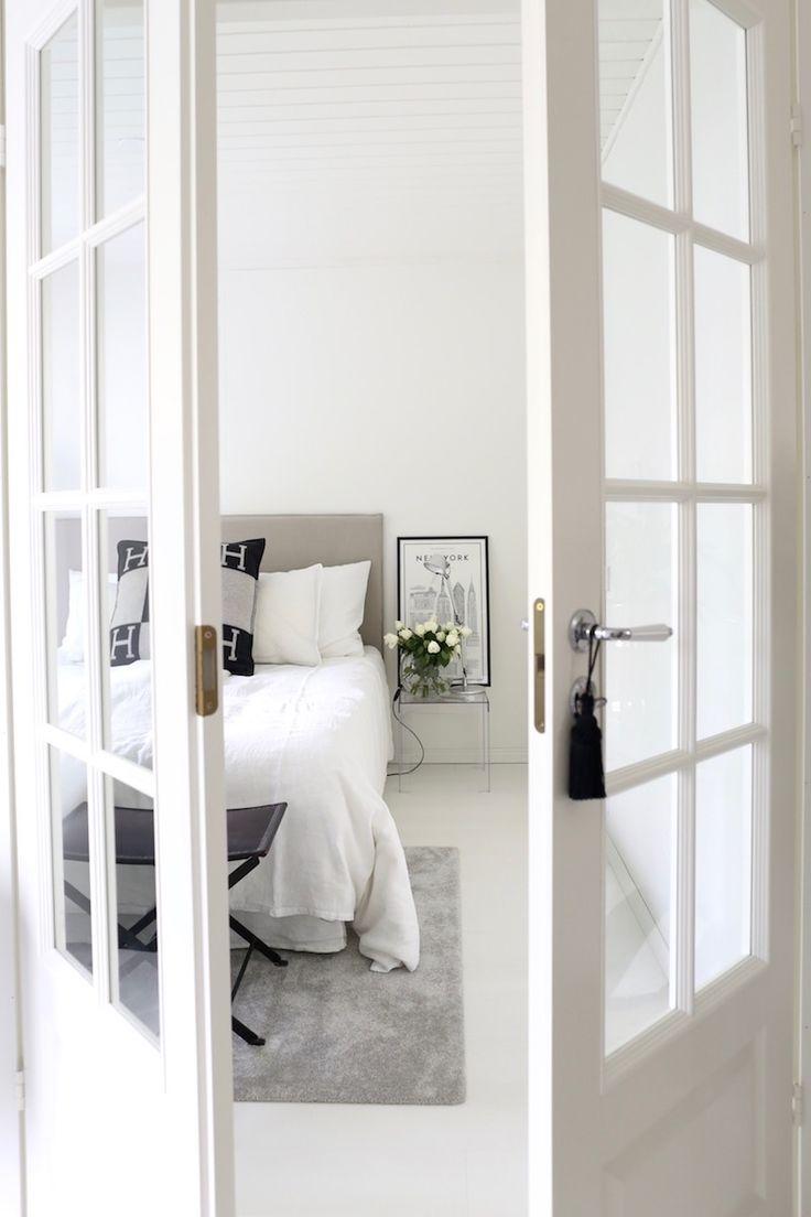 Homevialaura   Modern classic bedroom   Matri by Fennobed   Slim headboard   Caleido 3790