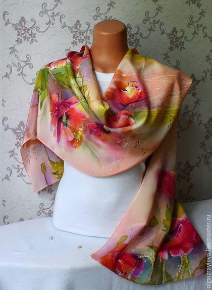 Купить или заказать Батик шарф 'Красные маки' в интернет-магазине на Ярмарке Мастеров. Шарф выполнен в технике горячий батик, подшит московским швом.