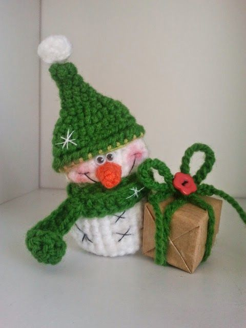 Crochet little snowman
