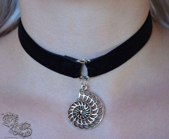 Necklace Nerida  Velvet choker with filigree shell North Shaman