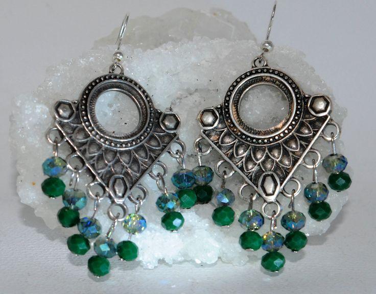 Σκουλαρίκια boho ασημένια με χάντρες σε πράσινη απόχρωση!! 18€