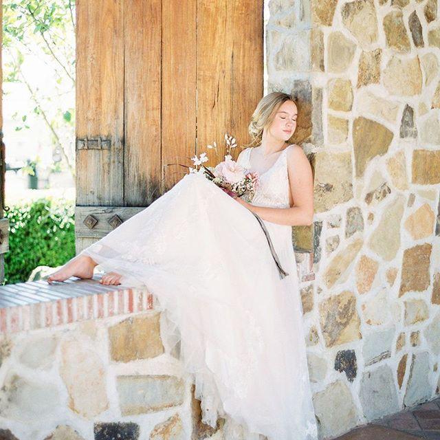 Gorgeous Wedding Dress And Reception Plus Bouquet With Silk Velvet