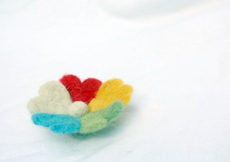 """Rainbow carousel"" (1) - Brosa fetru de crinushka Breslo"