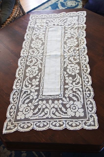 VINTAGE, white, rectangular linen centre, TABLE RUNNER, DOILY, filet net lace.