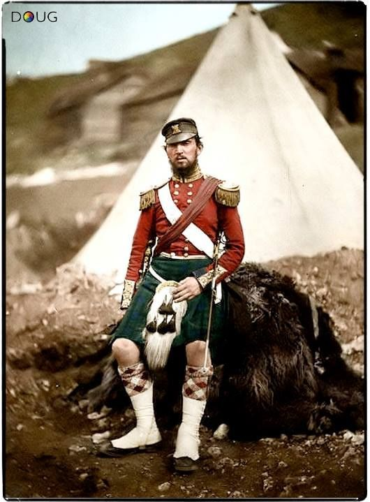 adokal:Captain Robert Campbell Cuninghame,(Regt.Nº 2647?) 1st.Battalion, 42nd.(Royal Highland) Regiment of Foot. c.1855.source