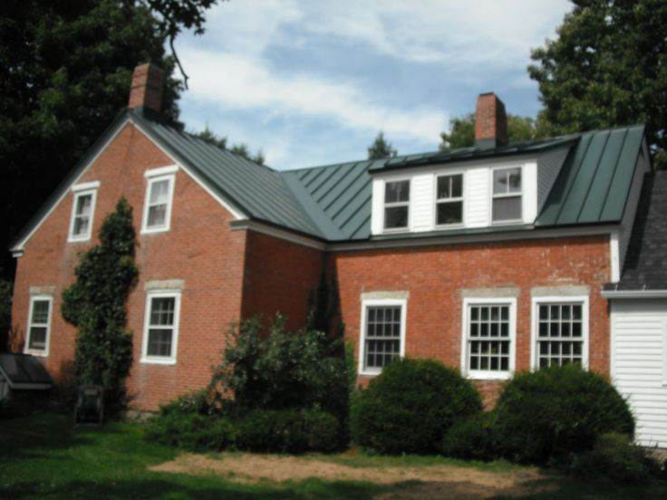 Best Metal Roofs Vs Shingles Red Brick House Metal Roof 400 x 300