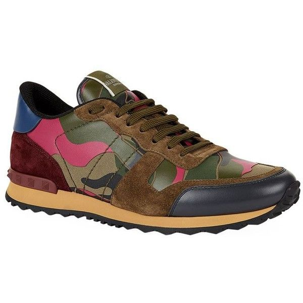 Valentino Camo Studded Trainers (36.250 RUB) ❤ liked on Polyvore featuring men's fashion, men's shoes, men's sneakers, valentino mens sneakers, mens camo sneakers, mens studded shoes, mens studded sneakers and valentino mens shoes