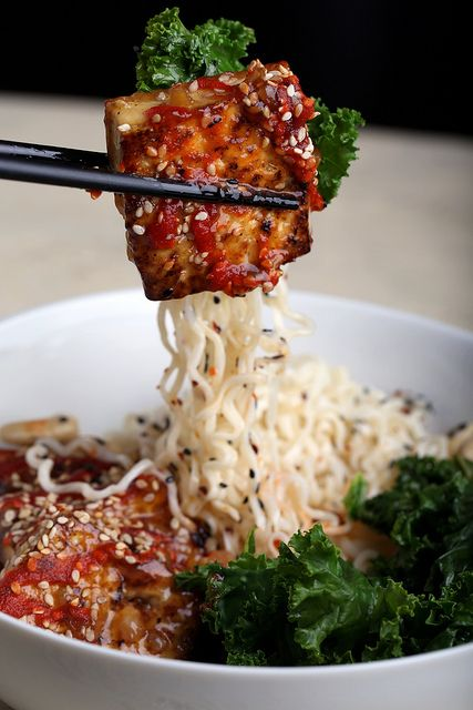 // Kale and cashew ramen bowls with caramelized tofu